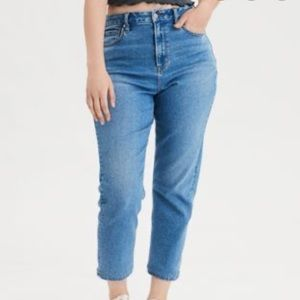 American Eagle Mom jeans NWT 22